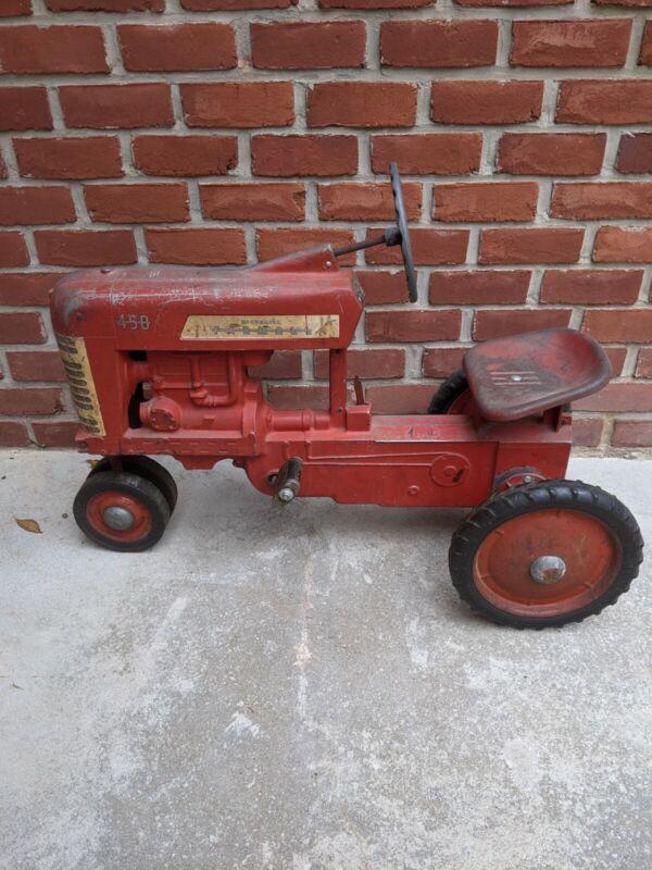 ESKA Farmall 450 Pedal Tractor original