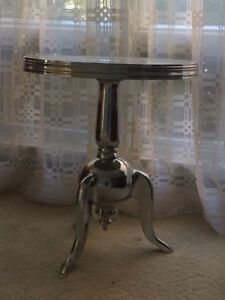 Table d'appoint en stainless