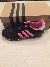 Girls adidas soccer football boots US 3 Prospect Prospect Area Preview
