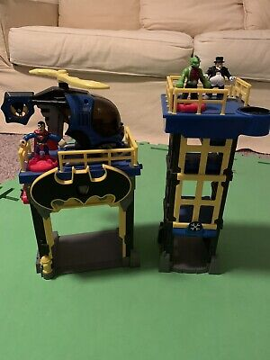 Imaginext Gotham Streets Batman Gotham City Tower 3 Figures Helicopter