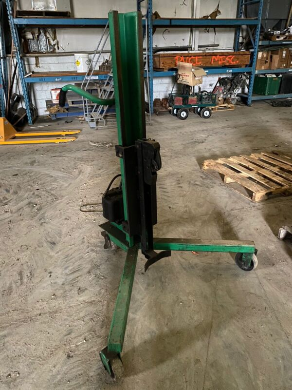 Valley Craft Portable Hydraulic Drum Lifter
