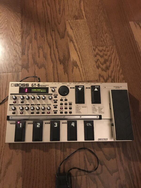 """Boss GT 6 Multi Effects Processor Pedal W/ Power Supply, Case And 2 Cords 1/4"""""""