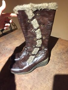 Woman's size 9 winter boots