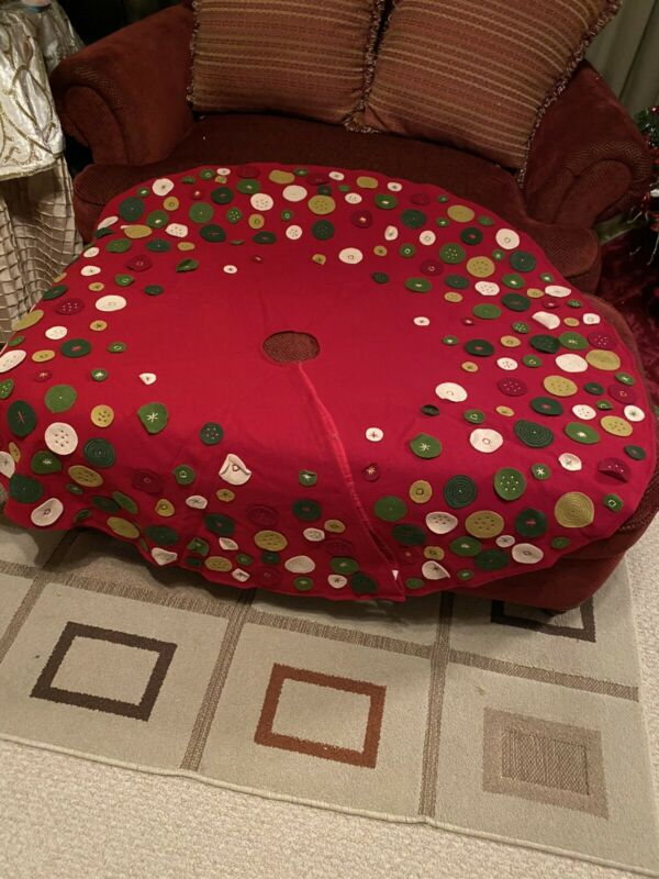 Crate And Barrel Cheers Christmas Tree Skirt 54 Inches