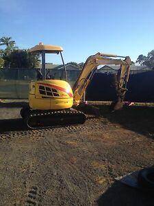 Excavator 3ton Mareeba Tablelands Preview