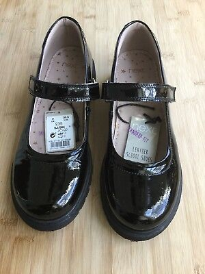 Mary Jane Black Patent Leather Chunky Girls Shoes. Doc Martin Style. Size 4](Doc Martins Girls)