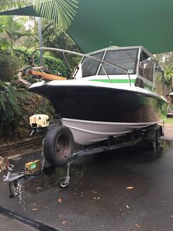 Boat (Catalin 7.2mtrs - 28 foot)