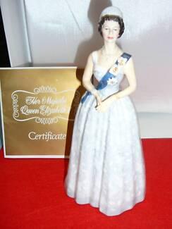Queen Elizabeth 11 20th Anniversary Royal Doulton Figurine Fulham Gardens Charles Sturt Area Preview