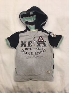 Mexx Baby hooded shirt. Size 24-30m