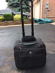 Swiss Army carry-on business laptop bag/briefcase on wheels