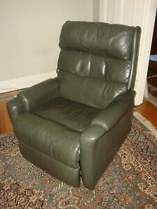 Leather Recliner, Arm Chair, Dark Green Leather, Electric Ormond Glen Eira Area Preview