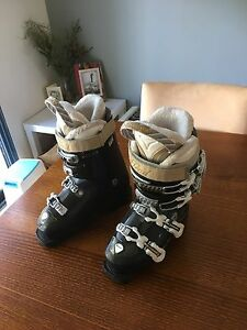 Ski boots ladies Stoneville Mundaring Area Preview