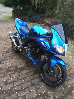 SV650S 2009 SUPER CLEAN, LOW KMS, TONNES OF EXTRAS!
