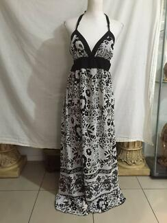 Hot Options Halter Neck Maxi Dress Size 14 As New