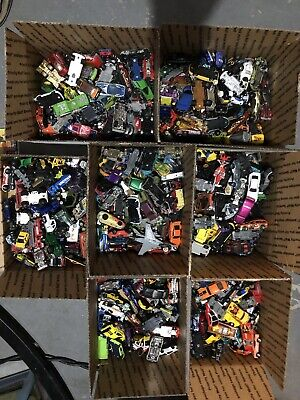 Huge lot 140 Preowned Hot Wheels and other cars Flat Rate Box FREE SHIPPING
