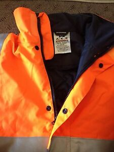Fluorescent rain jacket Mayfield West Newcastle Area Preview
