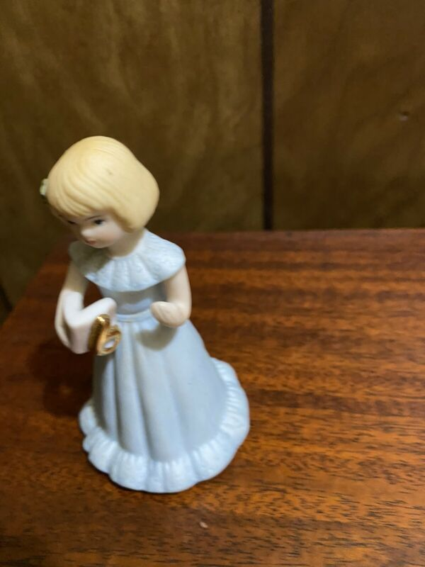 Vintage 1982 Enesco GROWING UP GIRLS 6th Birthday Blonde Porcelain Figurine