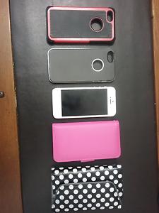 i Phone 5 with extras Glen Innes Glen Innes Area Preview