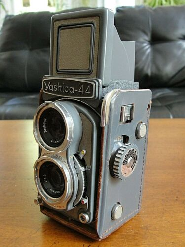Vintage Yashica 44 Camera TLR 127mm Format