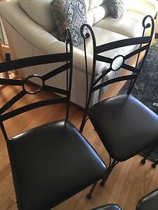 Metal black chairs (6)