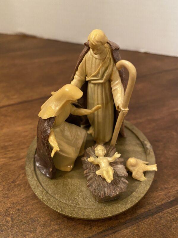 "Nativity Scene on Base Made in Italy Hard Plastic Figure Baby Jesus Vintage 3"""
