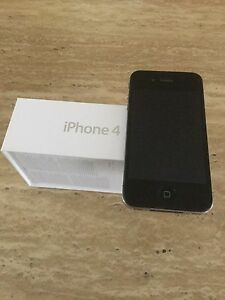 iPhone 4 noir 16gb.