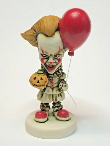 Neil Eyre Halloween Horror Clown Pennywise IT Inspired Pumpkin red balloon 🎈 v2