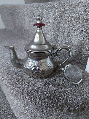 Magma Moroccan Teapot Silver Coloured