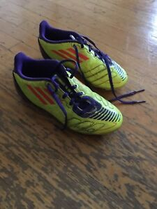 Soccer cleats size 1.5