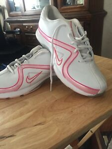 Women's Nike golf shoes!