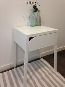 Bedside tabe Waitara Hornsby Area Preview