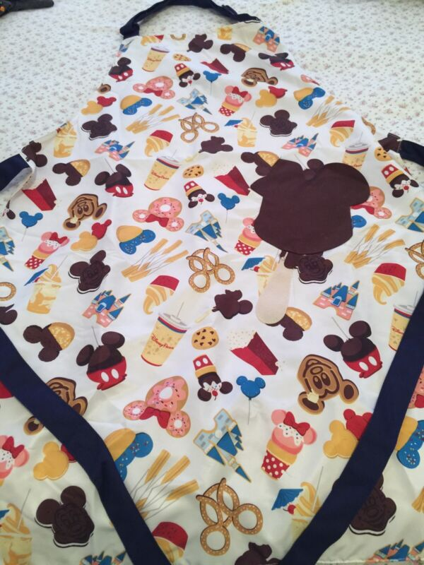 Disney Parks Snacks Foods Chef Kitchen Apron New with tags Cupcake Mickey Bar
