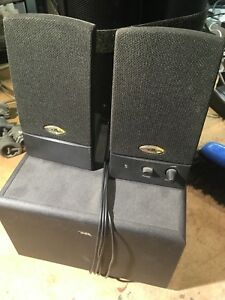 Computer / desktop / shelf speakers  sold ppu Thurs