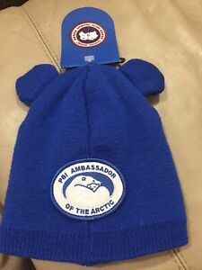 Canada Goose baby hat ( one size)