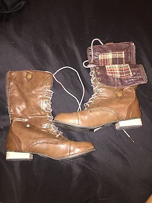GIRLS BROWN FAUX LEATHER LACE UP ZIPPER COMBAT BOOTS PLAID LINING SIZE 7](Girls Brown Combat Boots)