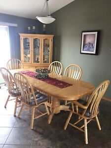 cce05f03fcc3 Buy or Sell Dining Table   Sets in Winnipeg