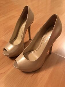 Enzo Angiolini size 4 nude pumps