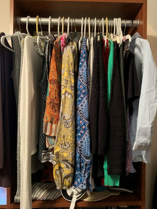 Womens Department Store Clothes Wholesale Reseller Lot of 10 Size Large/X-Large
