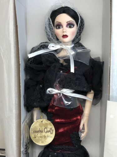 "18"" Tonner Wilde Evangeline Ghastly Loves Sweets Doll LTD 125 2015 Mint In Box"