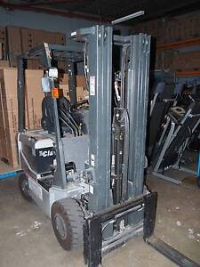 Fork Lift 1.8 tonne Battery Electric 3 stage 4.75m Container Mast Brisbane City Brisbane North West Preview