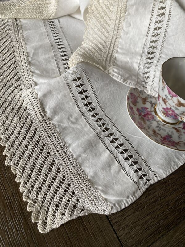 Vintage Handmade Mantle Scarf Crocheted Lace Trim