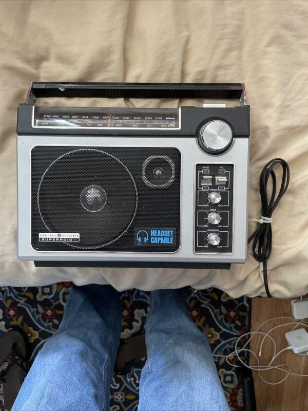 Vintage General Electric Superadio II GE Long Range AM/FM Super Radio 7-2885c