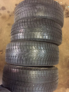 4 winter 215/45/18 Michelin xice installation available