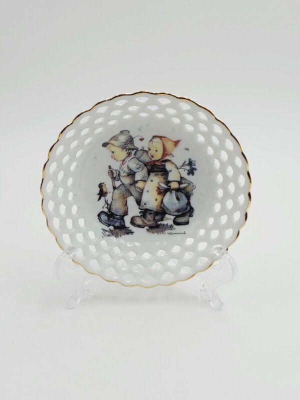 "M.J. Hummel Reutter Porcelain Maiglockchen ""Hansel and Gretel"" Lace Dish Germany"