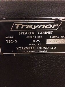 P.A. Speakers / monitors Traynor by Yorkville