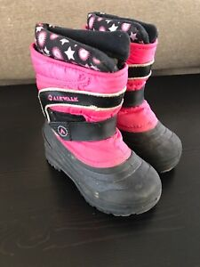 Toddler size 8 winter boots