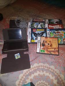 Nintendo DSi and 8 games Woodroffe Palmerston Area Preview