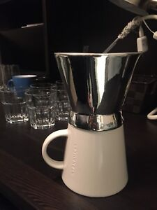 Starbucks pour over brewer