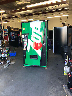 7 Up Vendo 407-8 Soda Vending Machine Wcoin Bill Acceptor Made In Usa
