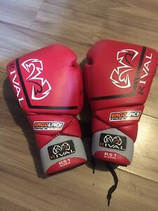 Rival RS1 Pro Sparring Boxing Gloves